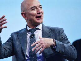 Dünyanın en zengin insanı, neden e-posta adresini gizlemediğini açıkladı