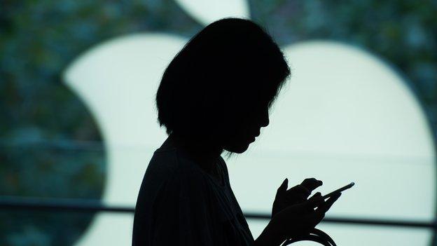 Apple: Telefonları kasıtlı olarak yavaşlattığı iddia edilen teknoloji devine Avrupa'da 180 milyon euroluk dava açıldı