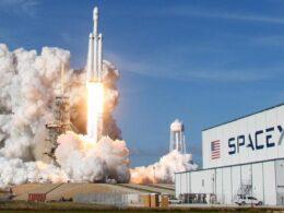 """Elon Musk Mars'a gidecek uzay aracının ilk gerçek uçuşunun """"çok yakında"""" yapılacağını söyledi"""