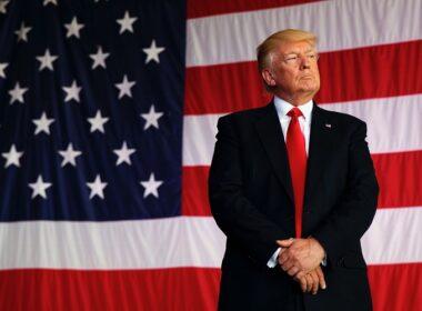Trump, Kovid-19'un kendisini 2020 seçimlerinde mağlup etmek için icat edildiğini öne sürdü