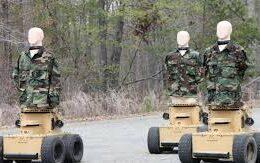ABD ordusu, 57 farklı lehçede küfür edebilen robotları hedef olarak kullanmaya başladı
