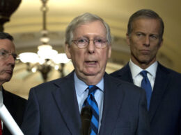 Cumhuriyetçilerin Senato lideri McConnell'dan Trump'a 'Kongre baskını' suçlaması