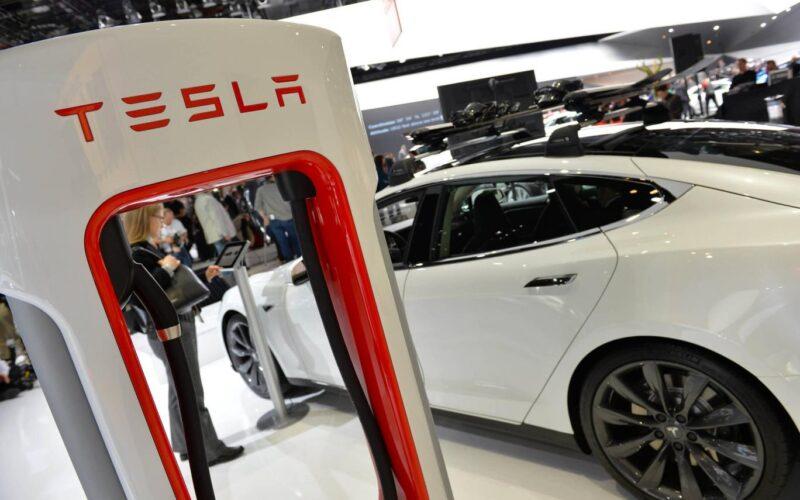 Google, Elon Musk'ın Tesla'sına taş attı: Tam otomatik sürüşe geçemeyecekler