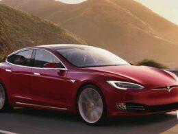 Elon Musk'ın Tesla'sı 2020'de satış rekoru kırdı