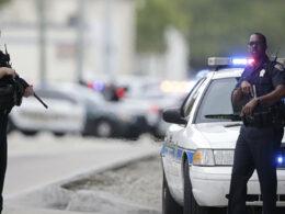 ABD polisi kendi bahçesinde duran bir adamı şüpheli sanarak öldürdü