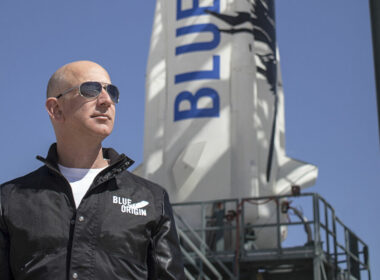 Jeff Bezos'un üzerinde yoğunlaşmak için Amazon'dan istifa ettiği uzay projesi Blue Origin nedir?