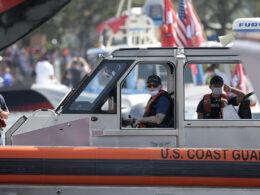 Florida'da 8 Kübalı mülteciyi taşıyan teknenin alabora olduğu an kamerada