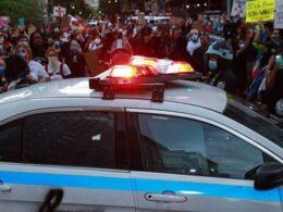 Floyd protestolarında bütçesi kesilip memurları kaçan Minneapolis polisine şiddet tavan yapınca 6.4 milyon dolar verildi