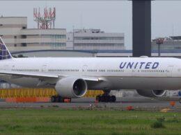 United Airlines, uçak motorunun alev almasının ardından 24 adet Boeing 777'yi uçuştan çekti