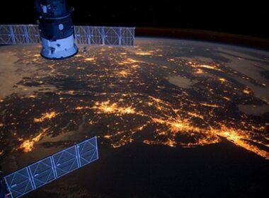 Dünya yörüngesinde çalışan uyduların çeyreği, artık Elon Musk'ın kontrolünde