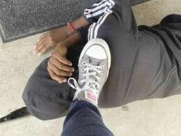 ABD'de siyah öğrencisinin ensesine ayağıyla basan öğretmen görevden uzaklaştırıldı