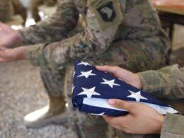Trump ayrıca, geri çekilme süreci için belirlenen 11 Eylül gününün ise ABD tarihi için makus bir yas günü olduğunu ve o şekilde kalması gerektiğini belirtti. Eski Başkan Trump, Şubat 2020'de Taliban ile yaptığı anlaşmada belirli koşullar karşılığında ABD askerlerinin Afganistan'dan 1 Mayıs 2021'e kadar çekileceğini taahhüt etmişti. 20 Ocak'ta görevi devralan Başkan Biden, sayıları 2 bin 500 civarında olan askerlerin çekilmesi takviminin 1 Mayıs'ta başlayıp 11 Eylül 2021'e kadar tamamlanacağını açıklamıştı. ABD Kongresi'nde Demokratlar genel olarak Biden'ın çekilme planına destek verirken, Cumhuriyetçilerin büyük bölümü 'ABD'nin Afganistan'ı boşlukta bıraktığını' ve 'orada yeniden terör unsurlarının çoğalacağını' savunuyor.